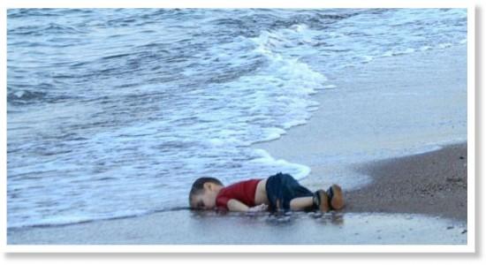 aylan_kurdis_body_on_beach